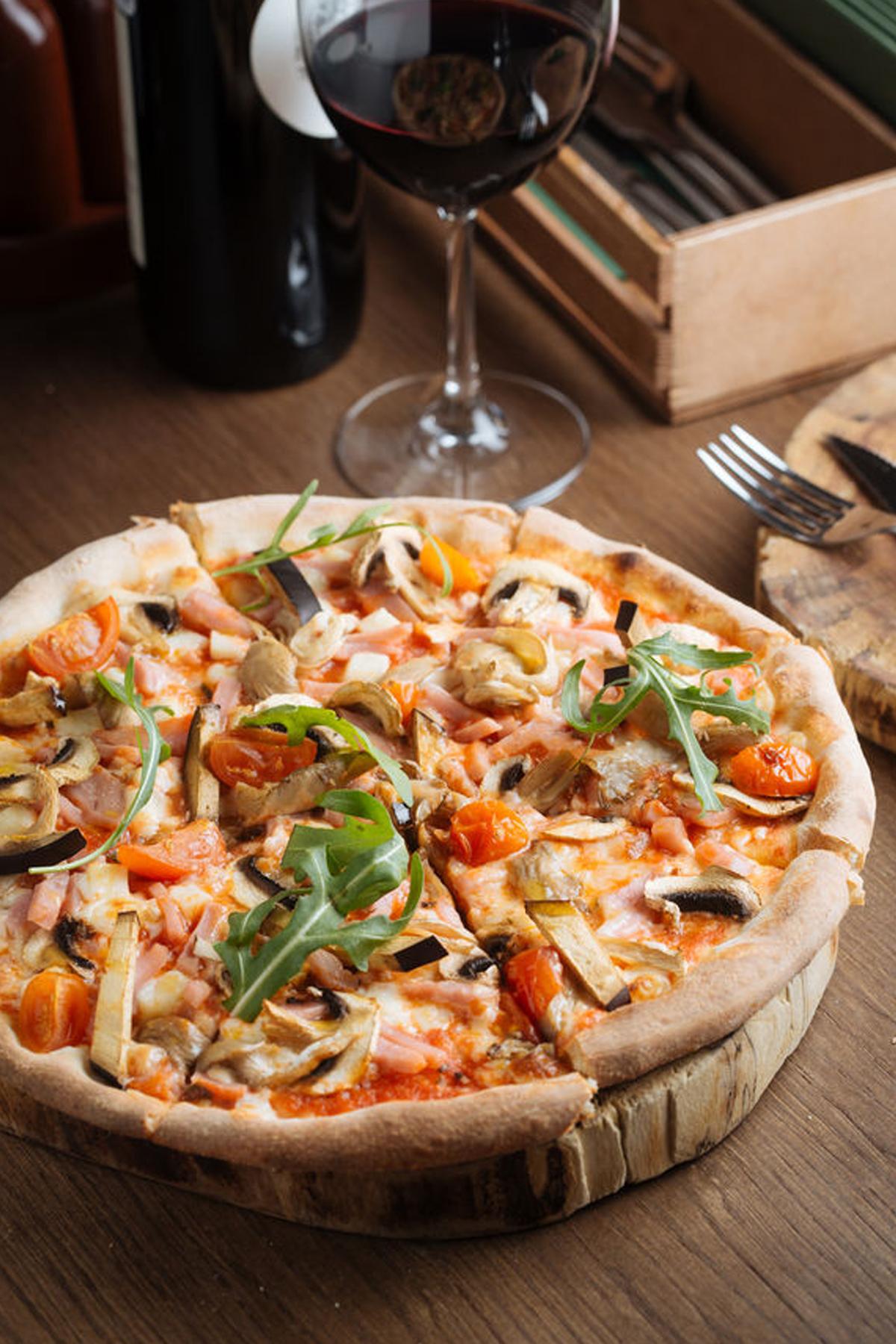 Prosciutto, Arugula, Tomato and Mushroom Flatbread Pizza